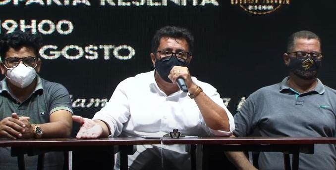 Ao centro, o empresário Júnior Bahia falou sobre as dificuldades do setor
