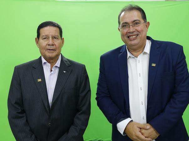 Mourão e Adeilson Bezerra