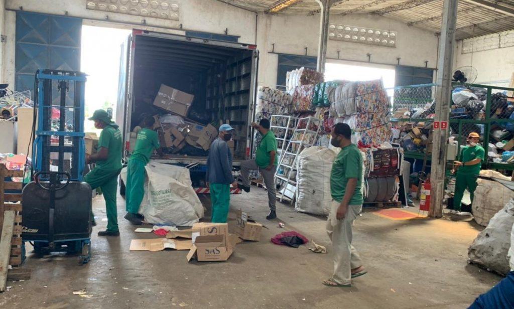 Serviço de reciclagem realizado pelas cooperativas reduz riscos ao meio ambiente. Foto: Ascom Sudes