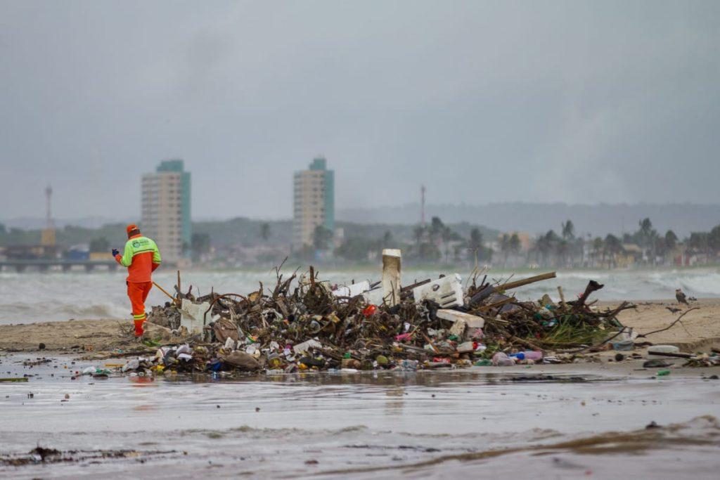 1000 toneladas de lixo recolhidos em abril - Foto: Secom Maceió